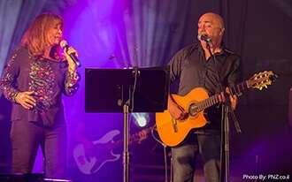 ירדנה ארזי במופע חגיגי בבית הלוחם תל אביב
