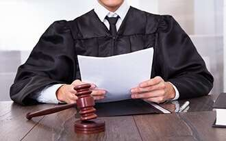 בית המשפט קבע - אין חובה להציג תג נכה